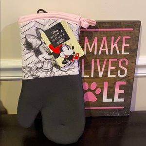 Minne Mouse  2 Pack Oversized Oven Mitts